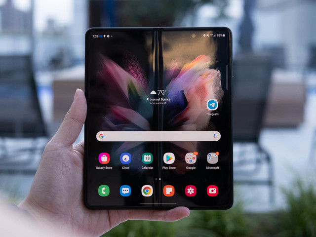 The Morning After: Our verdict on Samsung's Galaxy Z Fold 3