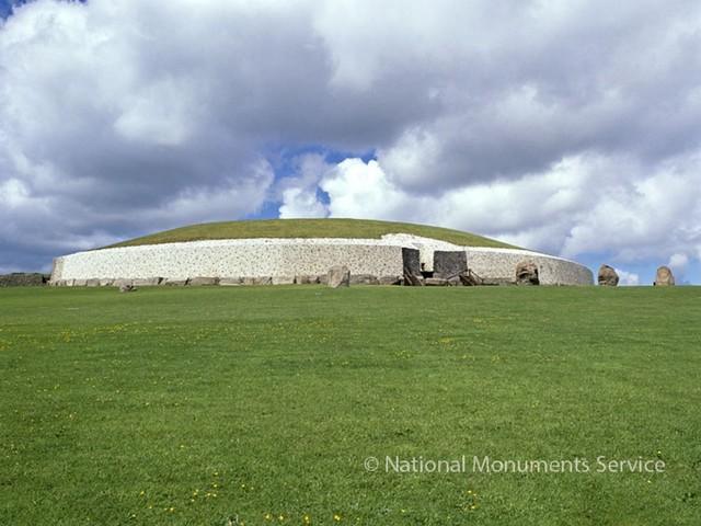 In Photos: Ireland's Newgrange Passage Tomb and Henge