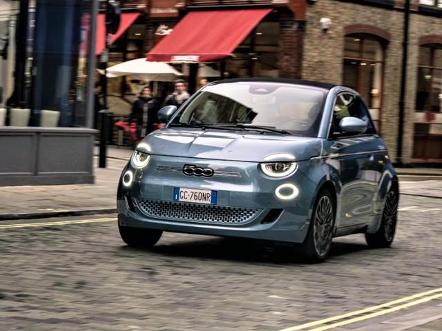 New All-Electric Fiat 500 Is Soft Top of Choice
