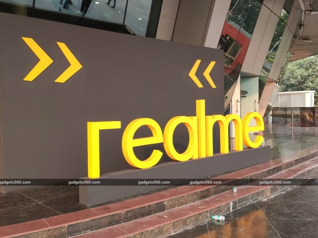 Realme Fitness Band to Launch in India in February, CEO Madhav Sheth Reveals