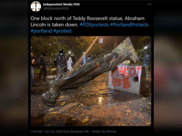 Portland police declare riot after mob topple Lincoln & Roosevelt statues during 'Indigenous Peoples Day of Rage' (PHOTOS, VIDEOS)