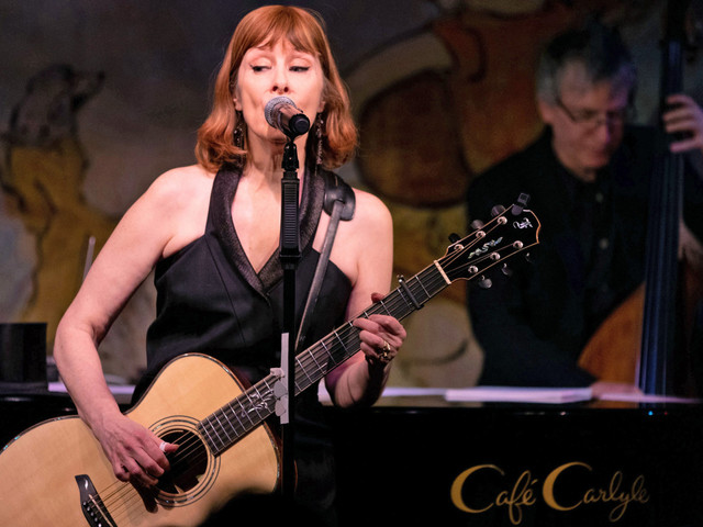 Suzanne Vega digs when fans sing along to 'Luka,' 'Tom's Diner'