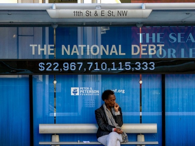 US budget deficit jumps above $1 trillion for first time since 2012