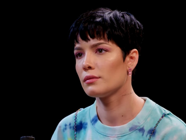 Halsey Opens Up About Relationship With Evan Peters During 'Hot Ones' Interview - Watch! (Video)