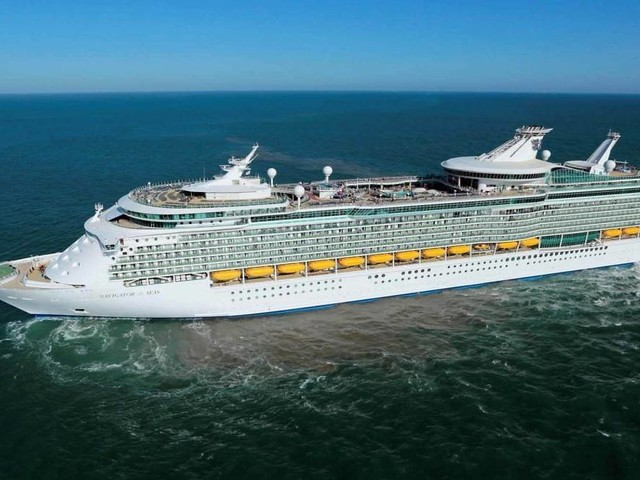 10 tips for saving money on booking a Royal Caribbean cruise