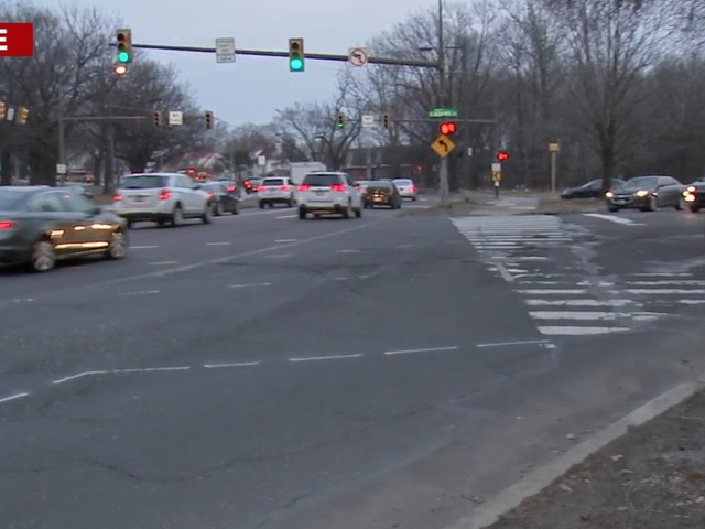 Traffic signal causing problems for pedestrians on Roosevelt Boulevard