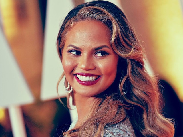 """Chrissy Teigen """"apologizes"""" for """"spoiling"""" The Voice after The Voice already spoiled The Voice"""