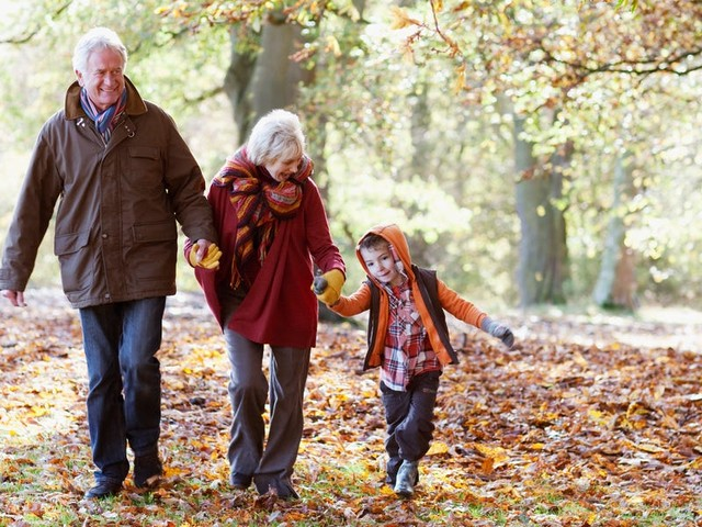 7 ways to give your your grandkids money that will help them get ahead in life