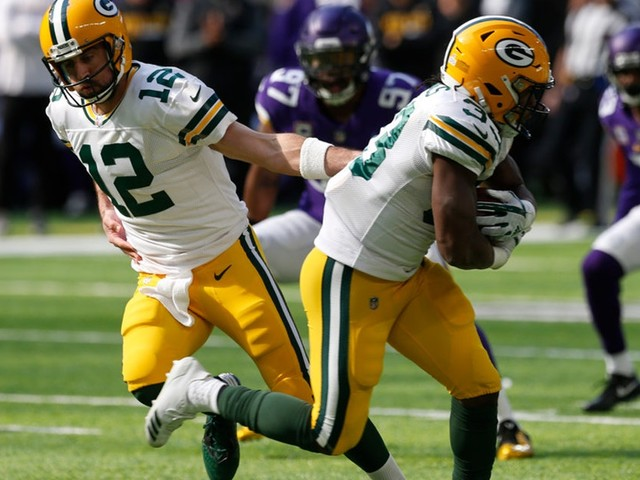 Vikings film review: Strong DT play helped stunt Packers' start before Aaron Rodgers injury