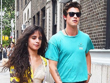 Shawn Mendes & Camila Cabello Squash Split Rumors With Kiss Pic