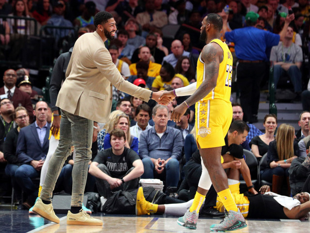 Anthony Davis misses fifth start; Lakers hope to get him on court for Boston
