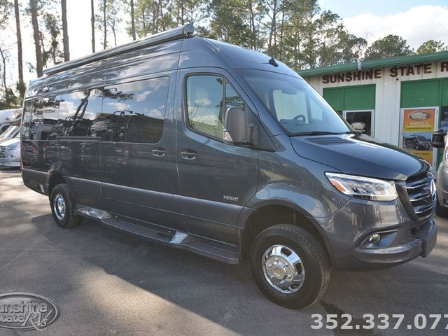 2020 American-Coach Patriot MD4 4X4