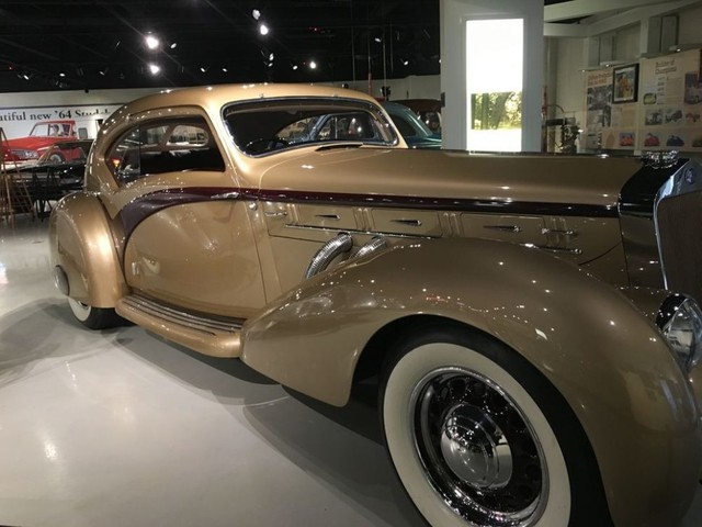 Streamlined: Style In Motion exhibit opens at Studebaker National Museum