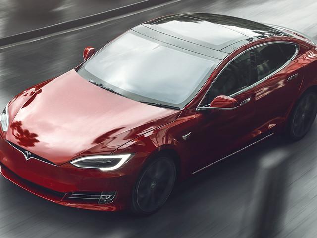 Tesla Model S Plaid: 60 In Under 2 Seconds, 1/4 Mile Under 9 Seconds, 200 MPH Top Speed, 520+ Mile Range