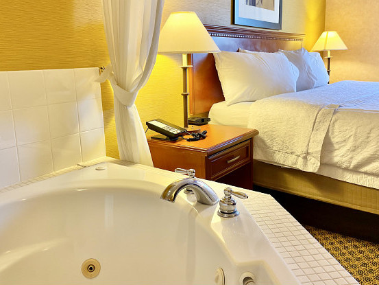 Jan 26, Little Rock Hot Tub Suites - Hotel Room Jetted Tubs in Little Rock, AR