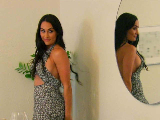 Nikki Bella Puts on a Family Fashion Show