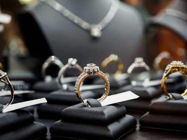 Things to Consider When Shopping for a Diamond