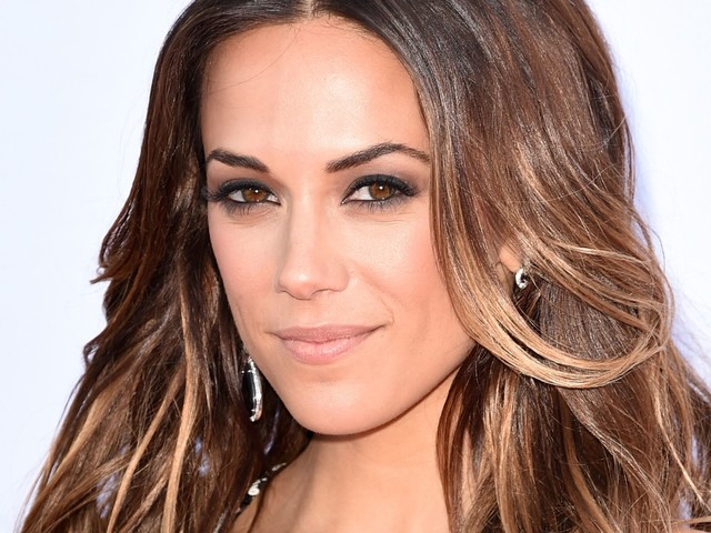 "Jana Kramer Is Talking About The ""Silent Struggle"" Of Her Miscarriage"