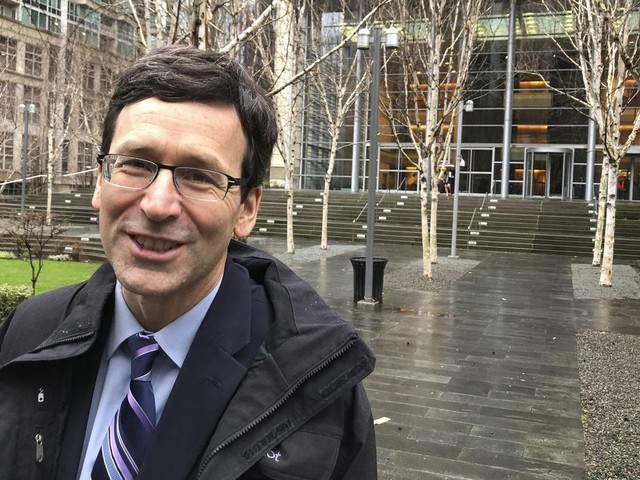 Far from US-Mexico border, Seattle judge weighs wall funding