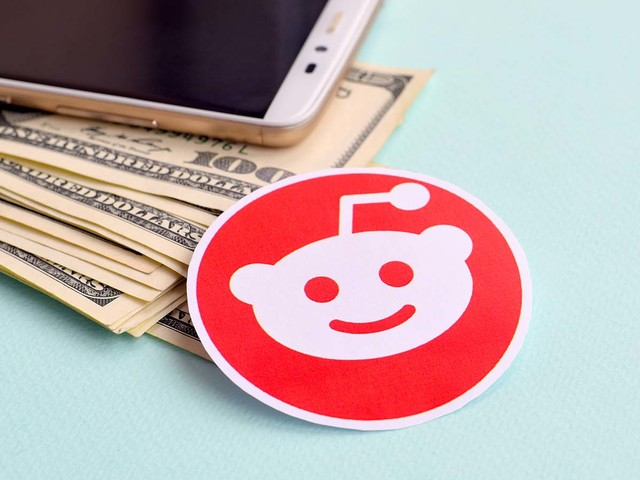Reddit Stocks: Why GME, AMC, NOK, BB, EXPR and KOSS Are on a Rocket Ship Again