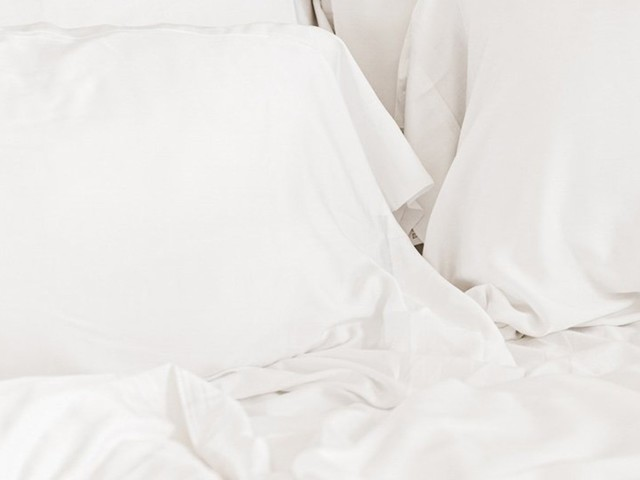 Cozy Earth's Very Cozy Sheet Sets & Pajamas Are 25% Off Right Now