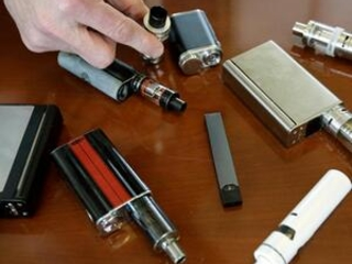 Vaping companies sue to delay US review of e-cigarettes