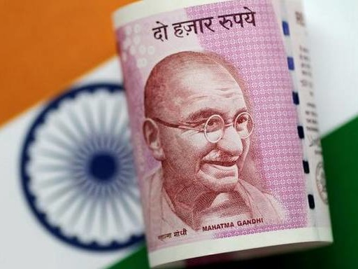 Rupee tumbles 67 paise to 72.09 against US dollar in early trade
