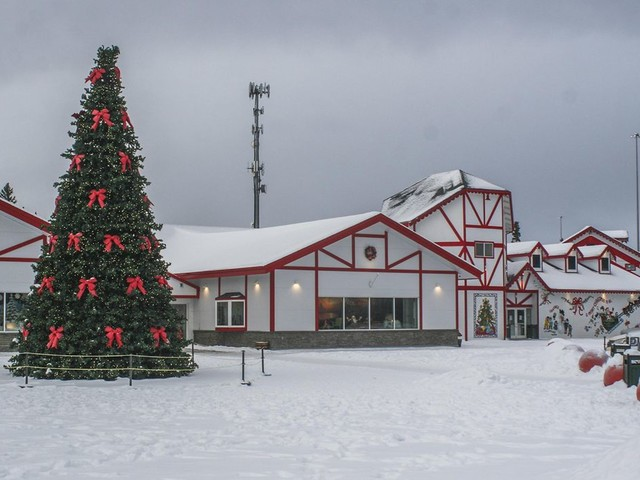 Santa Claus House: Everything is merry year round