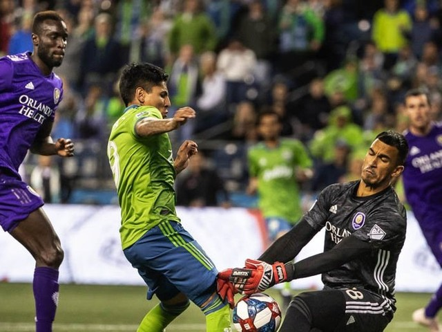 Raul Ruidiaz finds his scoring touch again as Sounders hold off Orlando 2-1