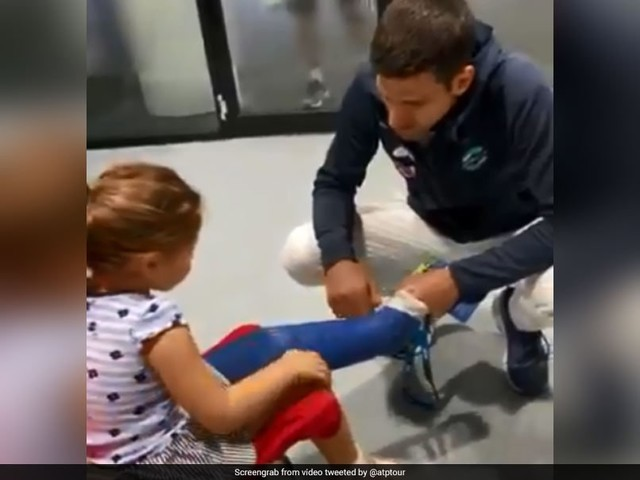 Watch: Federer, Djokovic's Adorable Gesture For Girl With Cast On Leg