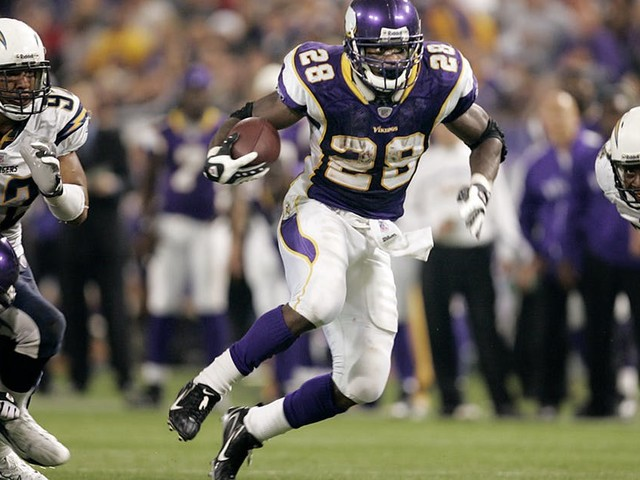 Vikings' Steve Hutchinson paved way for Adrian Peterson's record day