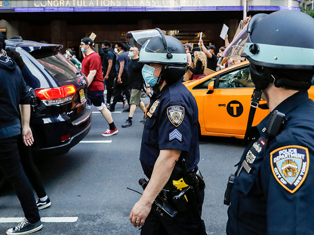 Oprah, Ariana Grande and More Champion 8 Can't Wait, Project to Reduce Police Violence