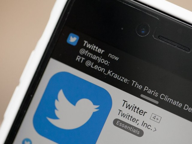 Twitter's political ad ban provides little oversight for fossil fuel companies
