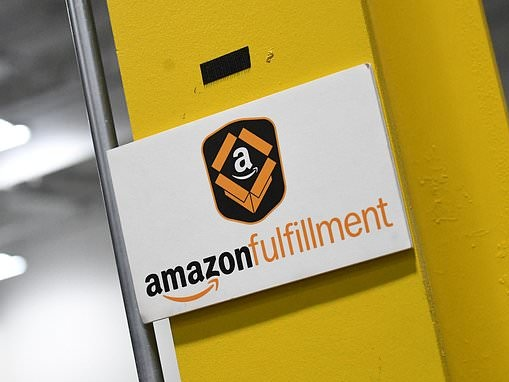 Amazon tries to make warehouse work more fun by turning real tasks into video games
