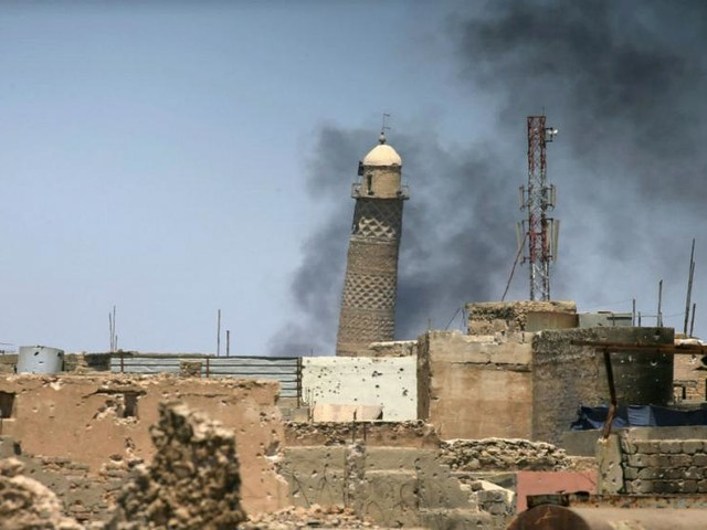 Video purports to show the destruction of Mosul's al-Nuri mosque