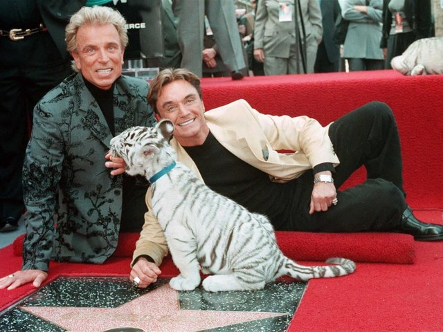 The Surviving Half of Siegfried & Roy Has Died