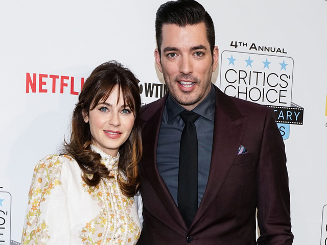Zooey Deschanel & Jonathan Scott Make Red Carpet Debut at Critics' Choice Documentary Awards