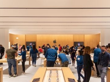 New York City's Newest Apple Store Features Dedicated Pickup Zone