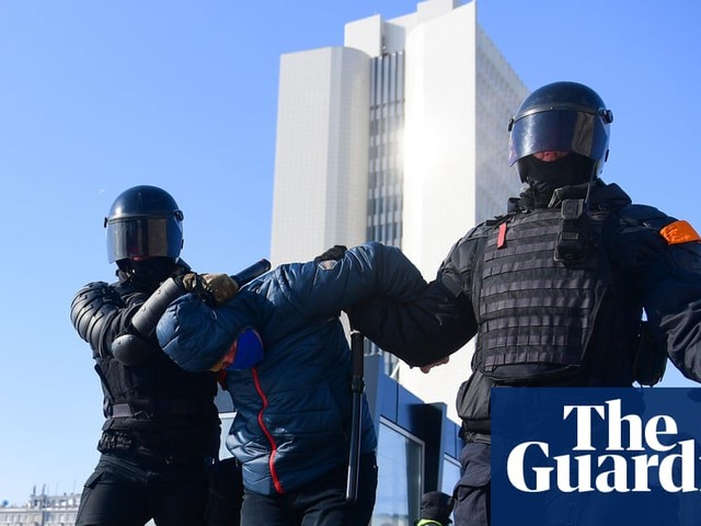Alexei Navalny protests: Moscow in lockdown as police detain 1,000