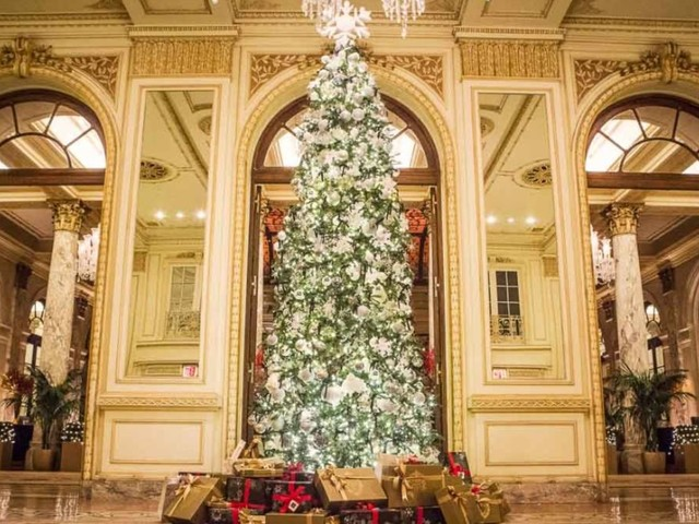 10 hotels that go all-out for Christmas