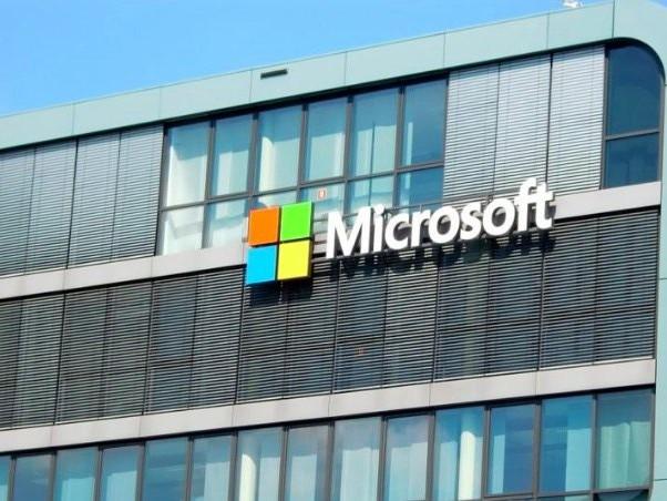 Microsoft Corporation, Apple Inc. Make Big Flagship Tech Changes