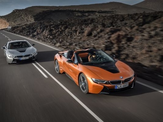 RIP, i8: Green Supercar Slowly Runs Out of Charge