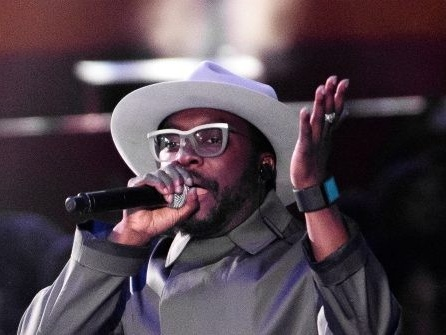 Singer Will.i.am Claims He Was Targeted by 'Racist' Flight Attendant