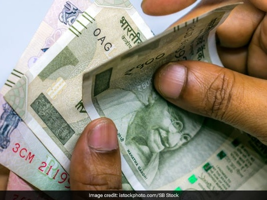 Rupee Plunges By 68 Paise To End At 71.60 Against Dollar: 10 Points