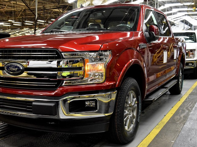 UAW Members Narrowly Approve Ford Contract That Includes Plant Closure