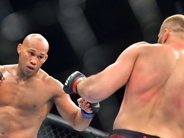 Jacare disagrees with decision loss: 'I won the first three rounds'