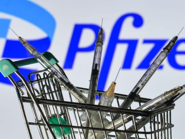 Horowitz: Why is Pfizer – the leakiest vaccine – enjoying the most approval from government?