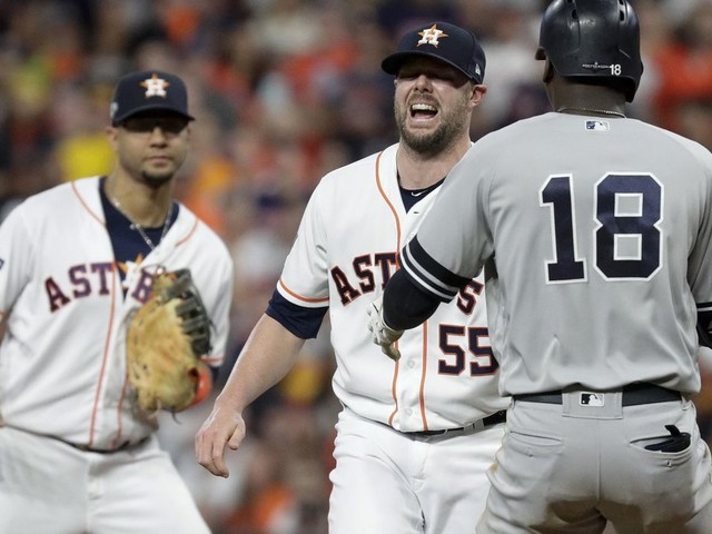 Astros' Pressly hurts knee again on only pitch in Game 6