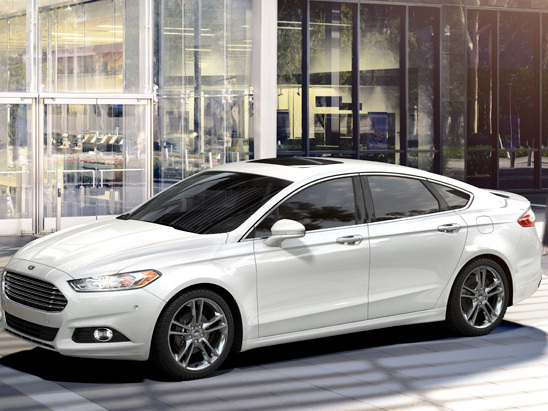 Ford Recalls 550k Fusion and Escape Vehicles for Rollaway Risk