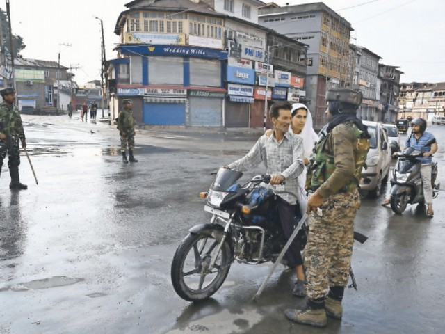India promises to ease restrictions in Kashmir for Eid